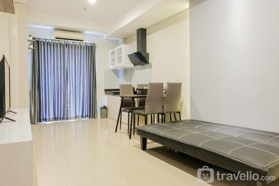Comfy and Fully Furnished 2BR at Metro Park Apartment By Travelio