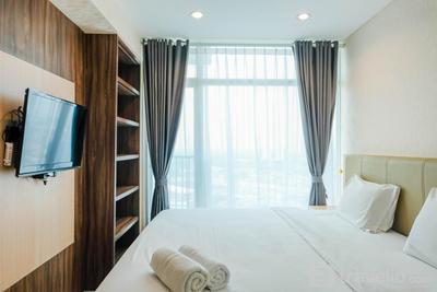 Elegant Studio Apartment at Tree Park City By Travelio