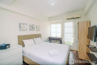 Comfortable and Lovely Studio Podomoro Golf View Apartrment By Travelio