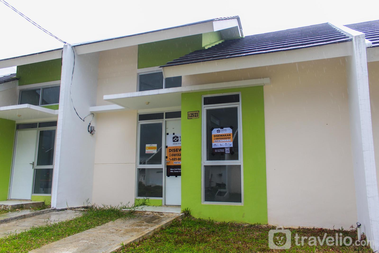 Cozy 2BR House at Citra Maja Raya 2 By Travelio