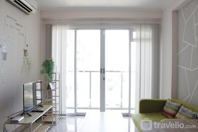 Spacious and Well Appointed 2BR @ Gateway Pasteur Apartment By Travelio
