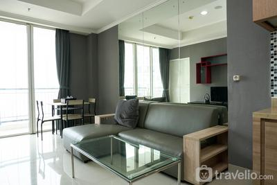 1BR Apartment with City View at Ancol Mansion By Travelio