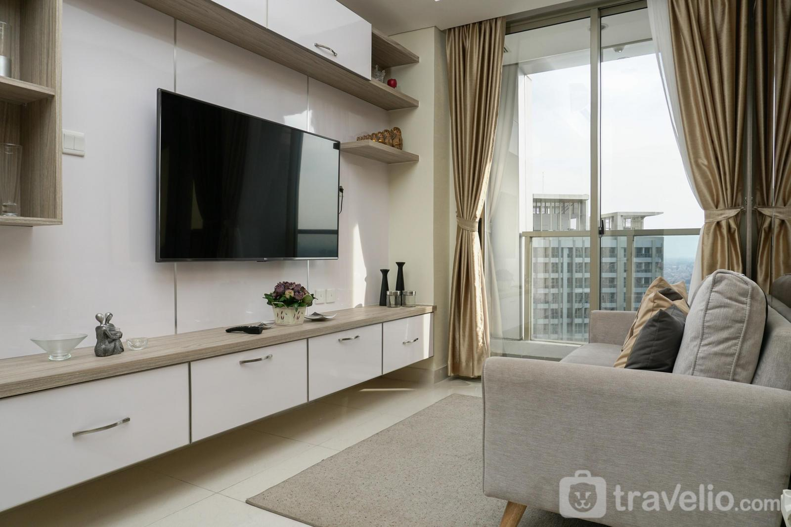 Taman Anggrek Residence - Modern 2BR Apartment at Taman Anggrek Residence with City View By Travelio