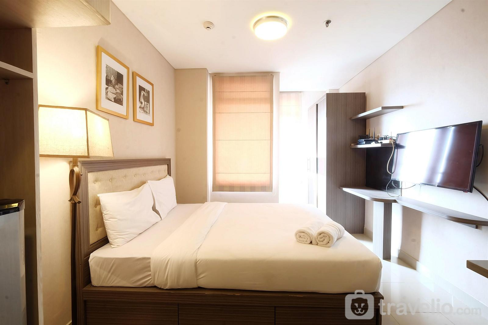 Sunter Icon Apartment - Homey Studio Room Sunter Icon Apartment By Travelio
