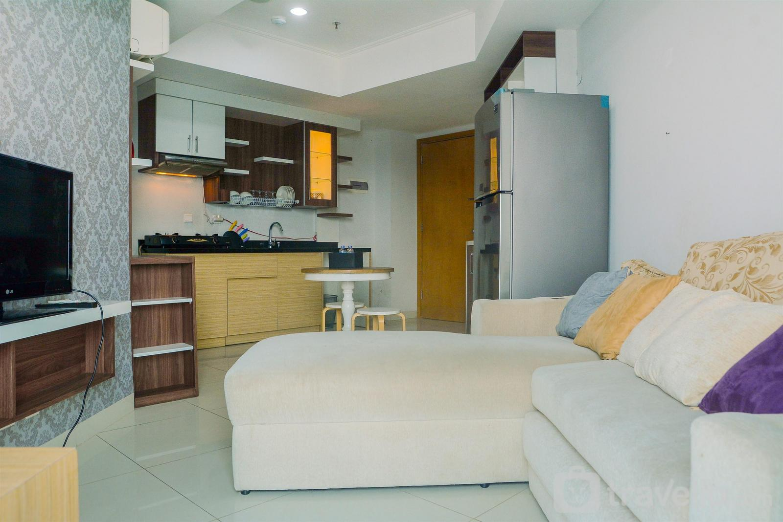 The Mansion Kemayoran - Modern and Comfy 2BR with Golf View at The Mansion Kemayoran By Travelio