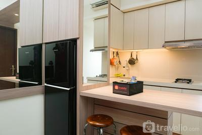Warm and Cozy 1BR Puri Park View Apartment By Travelio