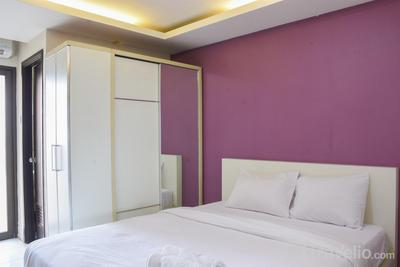 Homey and Simply Studio Room at Kebagusan City Apartment By Travelio