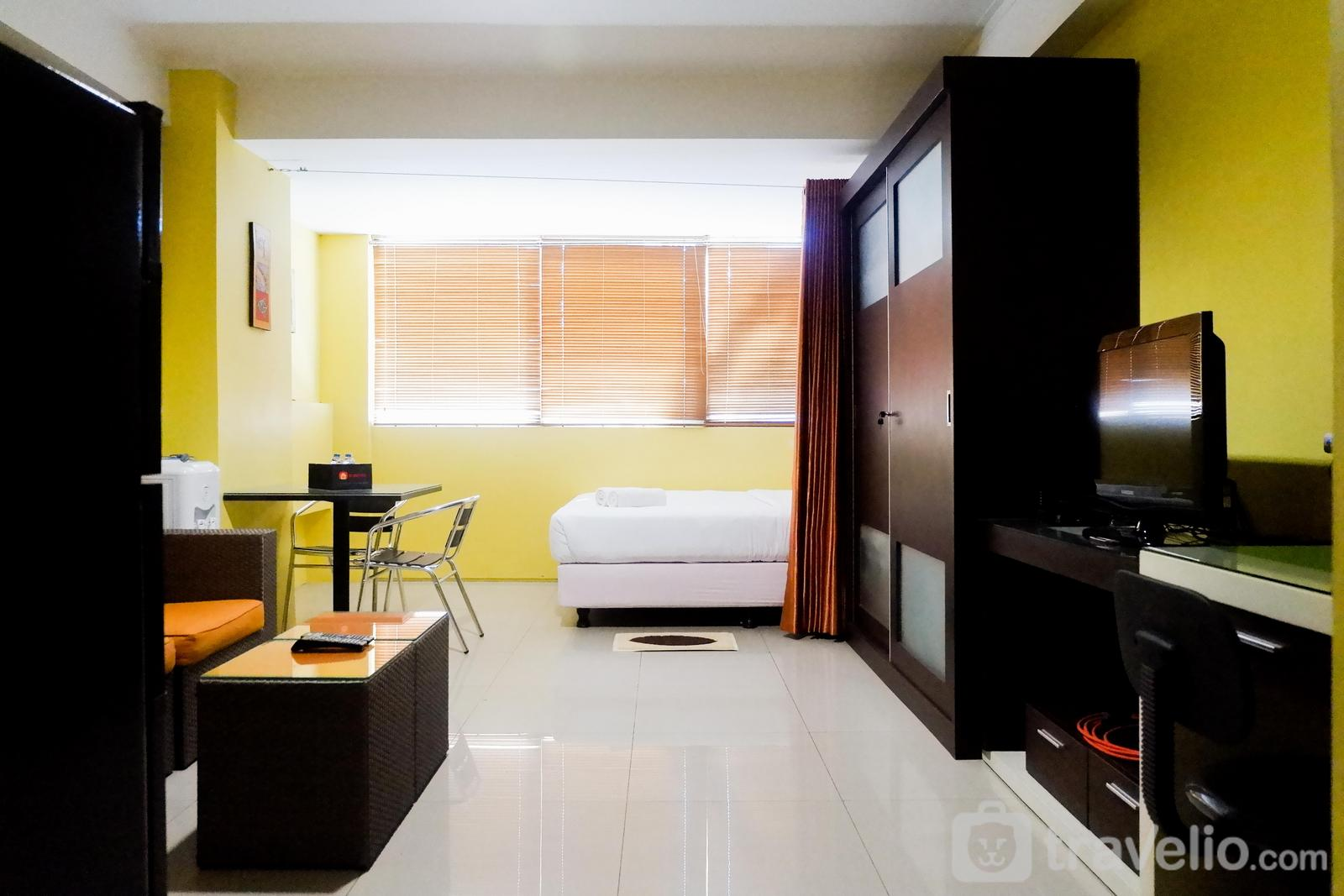 High Point Serviced Apartment - Comfy Studio at High Point Serviced Apartment By Travelio