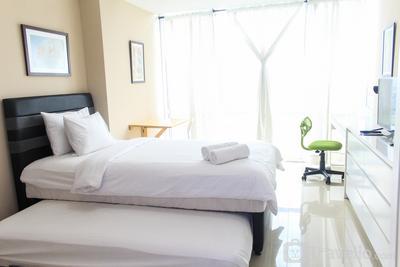 Stylish and Homey Studio Apartment at U Residence By Travelio
