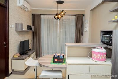 2BR with Sofa Bed at Gateway Pasteur Apartment By Travelio