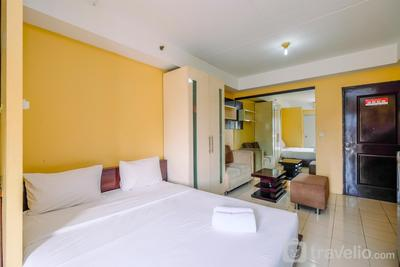 Cozy and Homey Studio Apartment at Metropark Condominium Jababeka By Travelio