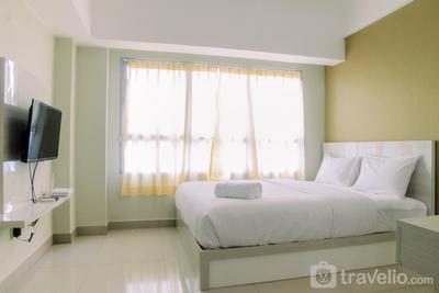 Minimalist Studio The Springlake View Bekasi Apartment By Travelio