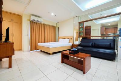 Simply Spacious Studio Room at City Home Apartment near Kelapa Gading By Travelio