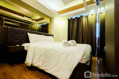 Spacious Studio Room at Green Pramuka Apartment By Travelio