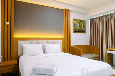 Warm and Comfortable 1BR Grand Kamala Lagoon Apartment By Travelio