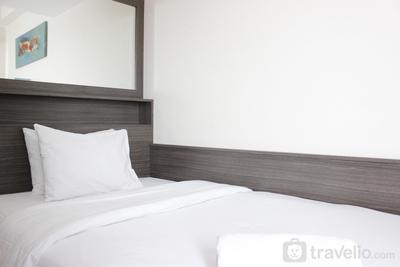 Convenient Studio Apartment at Easton Park Residence Jatinangor By Travelio