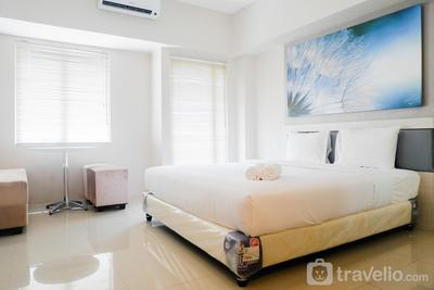 Lavish Studio Apartment with Mall Access at Tanglin Supermall Mansion By Travelio