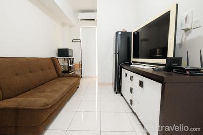 Homey 2BR Springlake Summarecon Bekasi Apartment By Travelio