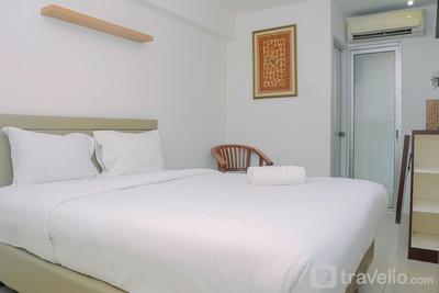Comfort and Minimalist Studio Bassura City Apartment By Travelio
