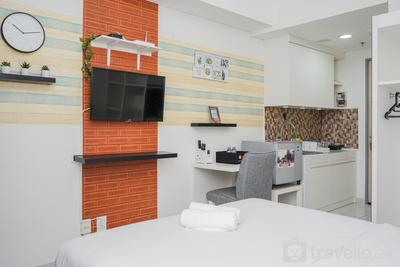 New Furnished with City View @ Studio Akasa Apartment By Travelio