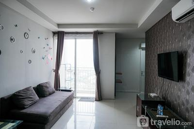 Elegant 2BR Apartment with Working Room The Lavande Residences By Travelio
