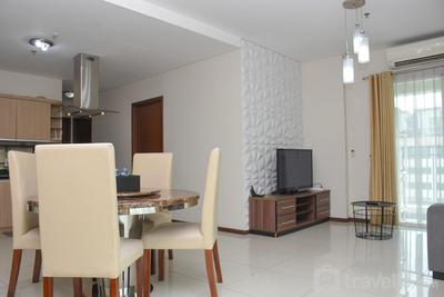 Spacious and Strategic 3BR at Thamrin Executive Apartment By Travelio