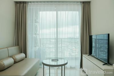 New Furnished and Homey 3BR Green Sedayu Apartment By Travelio