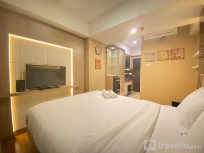 Luxurious Studio Room @ Grand Asia Afrika Apartment By Travelio
