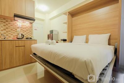 Modern Studio Apartment 26th on Top of Green Pramuka Mall By Travelio