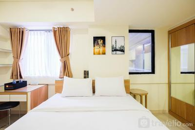 Comfy and Homey Studio Room at Meikarta Apartment By Travelio