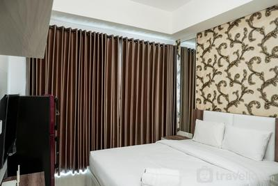 Best Price Studio @ Puri Mansion Apartment By Travelio