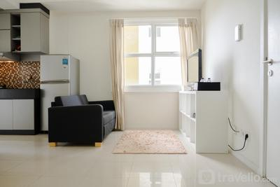 Comfortable 2BR Apartment at Parahyangan Residence By Travelio