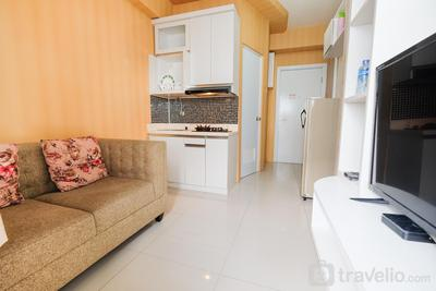 City View 2BR Apartment @ Green Pramuka near Shopping Mall By Travelio