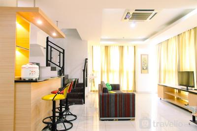 Very Spacious 3BR at Sunter Park View Apartment By Travelio