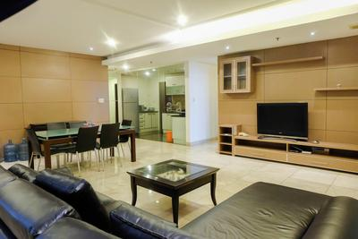 Spacious 2 BR Apartment Park Royale By Travelio