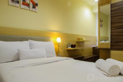 Modern 1BR with Sofa Bed @ Cinere Bellevue Apartment By Travelio