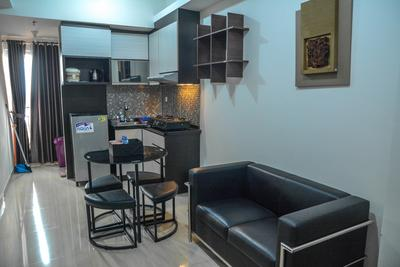 Modern 2BR Puri Park View Apartment Near Lippo Puri By Travelio