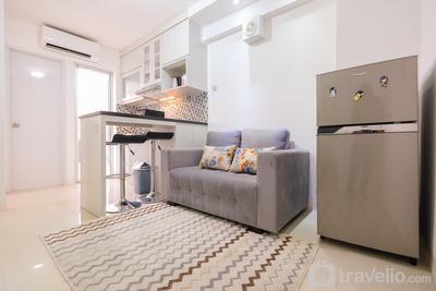 Minimalist 2BR Bassura Apartment Direct Access to Bassura City Mall By Travelio