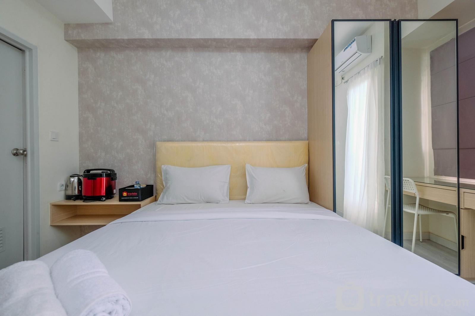 Podomoro Golf View Apartment - Sophisticated Studio Room at Podomoro Golf View Apartment By Travelio