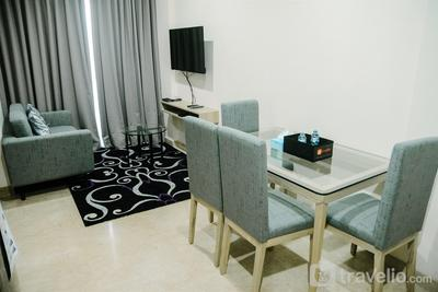2BR Deluxe and Modern Menteng Park Apartment By Travelio