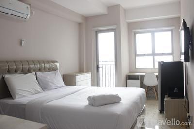 Comfy Studio Room at Mekarwangi Square Apartment Cibaduyut By Travelio