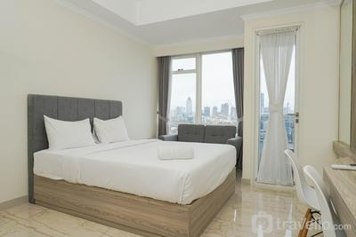 Well Appointed Studio at Menteng Park Apartment By Travelio