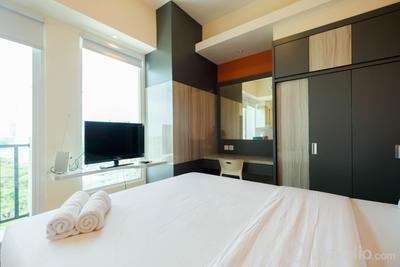 Great Location Studio at Tree Park Apartment By Travelio