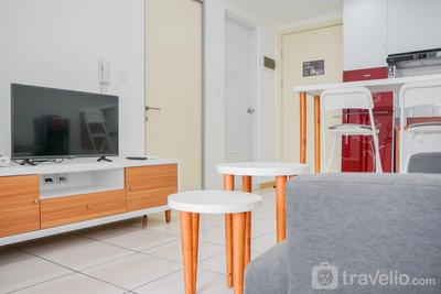 Simply Modern 2BR M-Town Residence Apartment By Travelio