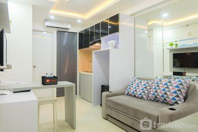 2BR for 5 Pax Bassura Apartment Next to Mall By Travelio