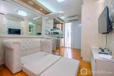 Cozy Stay 2BR Bassura City Apartment By Travelio