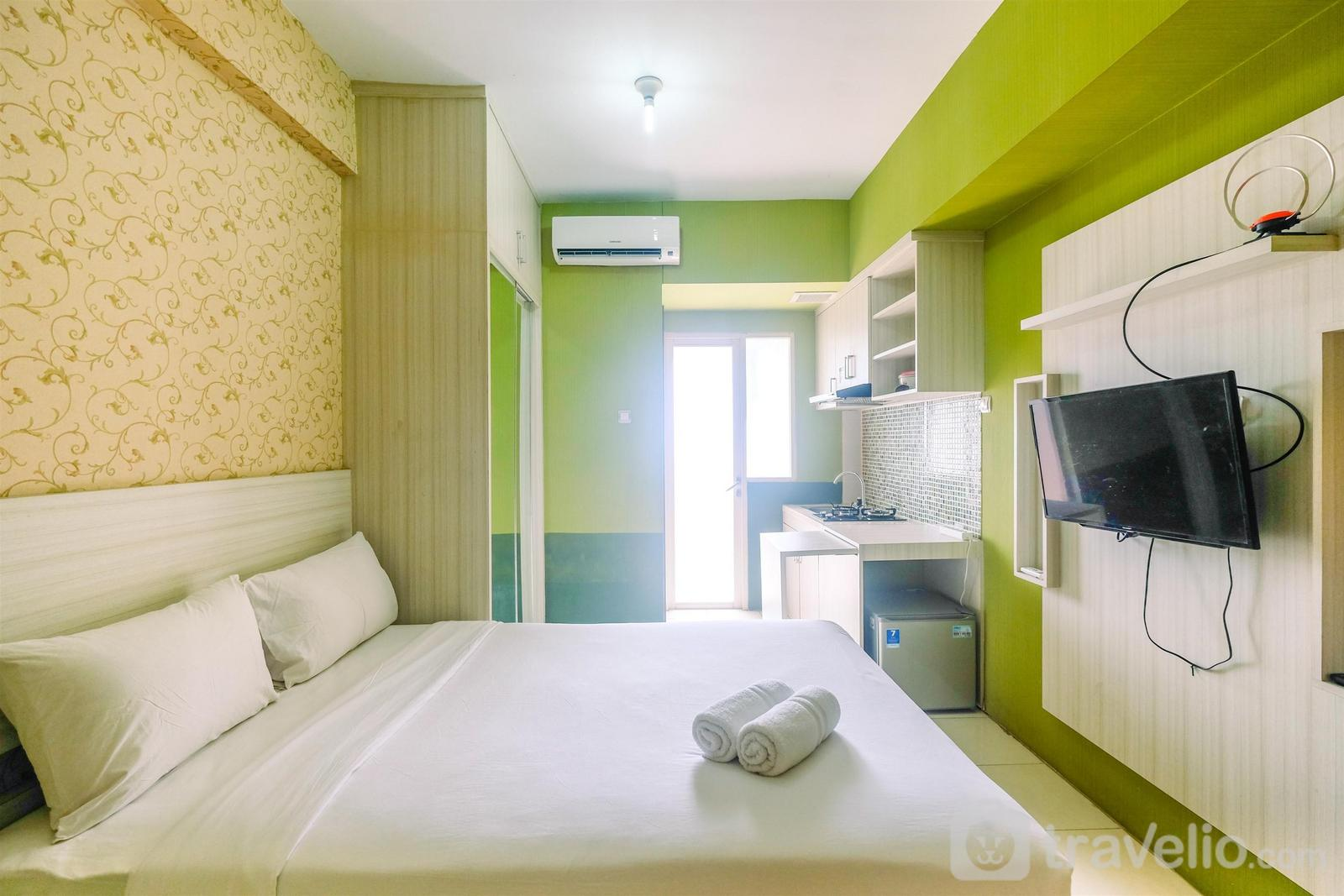 Apartemen Green Lake View - Relaxing and Simply Studio Green Lake View Apartment By Travelio