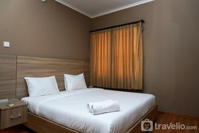 Cozy 2BR Mediterania Ancol Apartment By Travelio