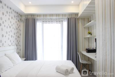 Quiet Studio Room @ Grand Asia Afrika Apartment By Travelio