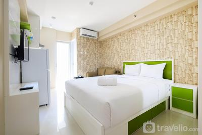 Modern and Minimalist Studio Bassura City Apartment By Travelio